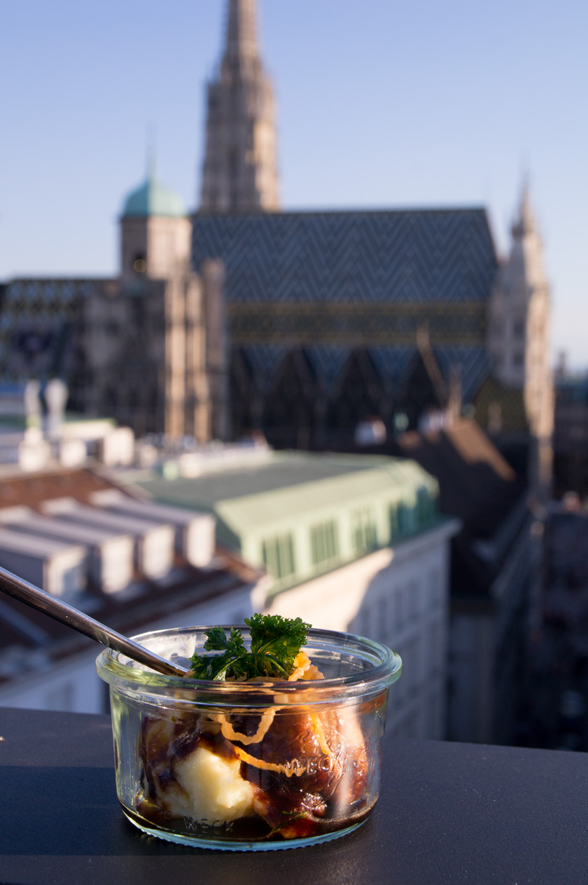 the roof- hotel lamee wien #fingerfood #ourvienna #vienna #tipps #todo #dinner #afterwork #amigaprincess #bar #rooftop