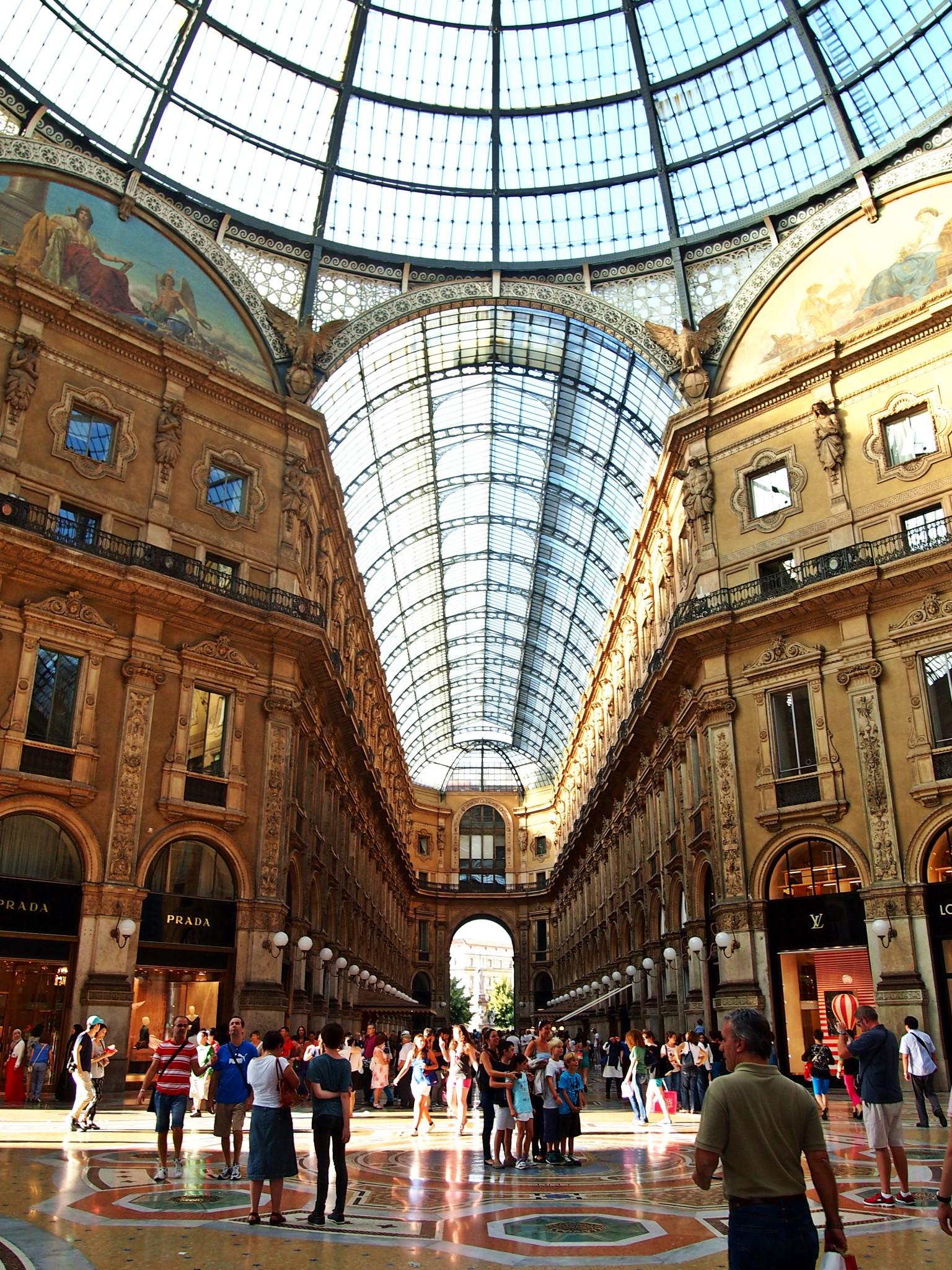 galleria vittorio emanuele, milano, mailand, galerie, prada, louis vuitton, luxus, passage