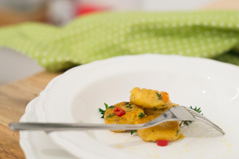 Kürbis Gnoochi mit Kräutern und Chili