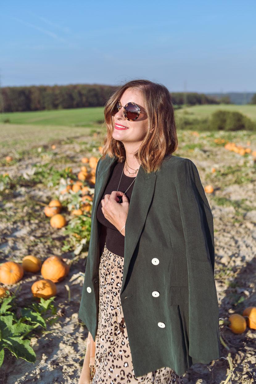 10 Gründe den Herbst zu lieben inkl. Herbstoutfit mit Leo Print 11