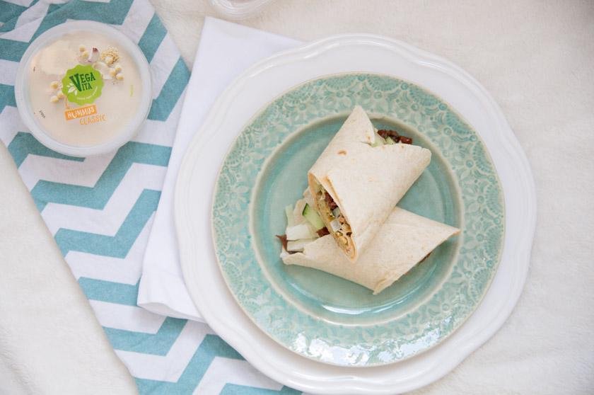 Veganer Wrap mit Falafel und Hummus von Vegavita