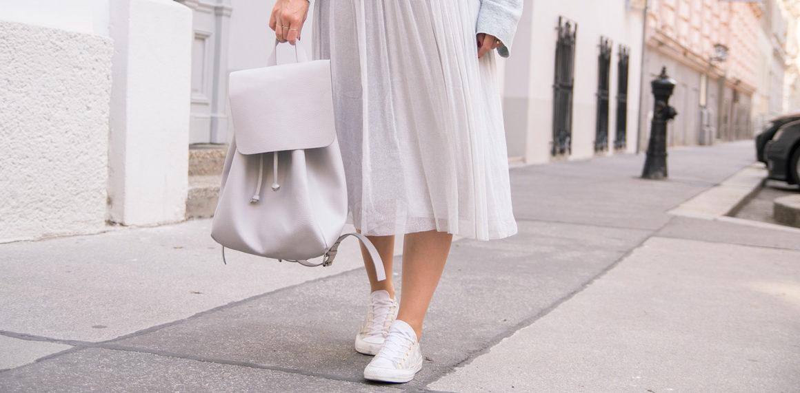 Das Must-have im Herbst 2016: Tüllrock #outfot #styling #tipps #fashion #amigaprincess #tulle #metallic #plissee #skirt #pastel #autumn #look #trend