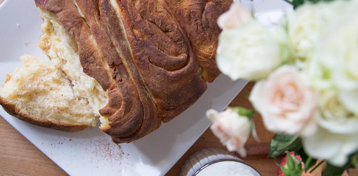 Zupfbrot mit Apfel und Zimt #cinnamon #sugar #sweet #dessert #mehlspeise #buchtel #winter #weihachten #rezept #recipe #eat #essen #inspo #apple #hefe #amigaprincess #nachspeise #pullapart