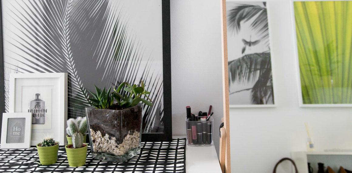 Entrance Makeover: Greenery #interior #trendfarbe #grün #vorraum #flur #interieur #tipps #idee #frühling #colorful #green #poster #black and white #amigapirincess