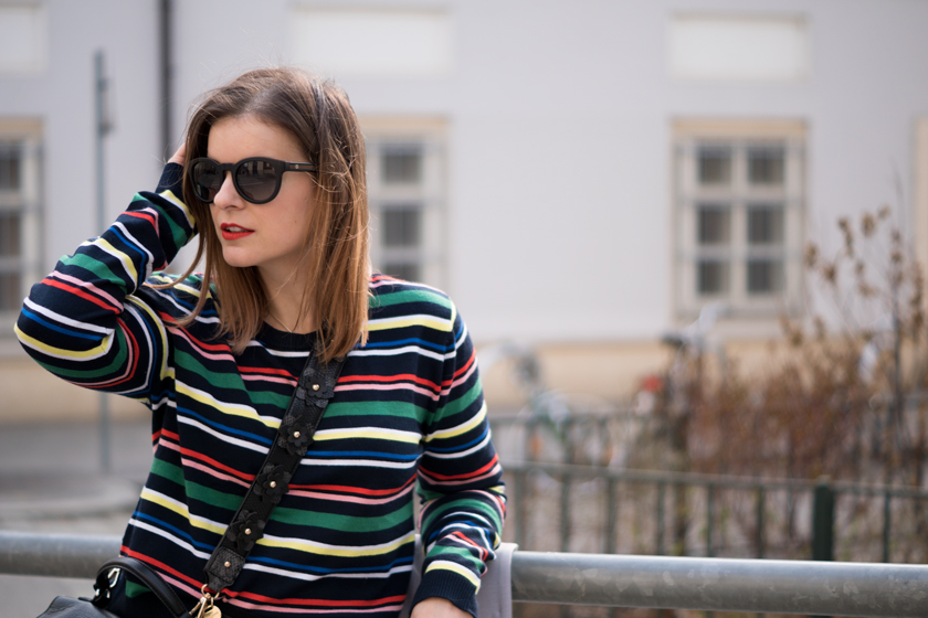 One Trend - Different Styles: Bold stripes 1