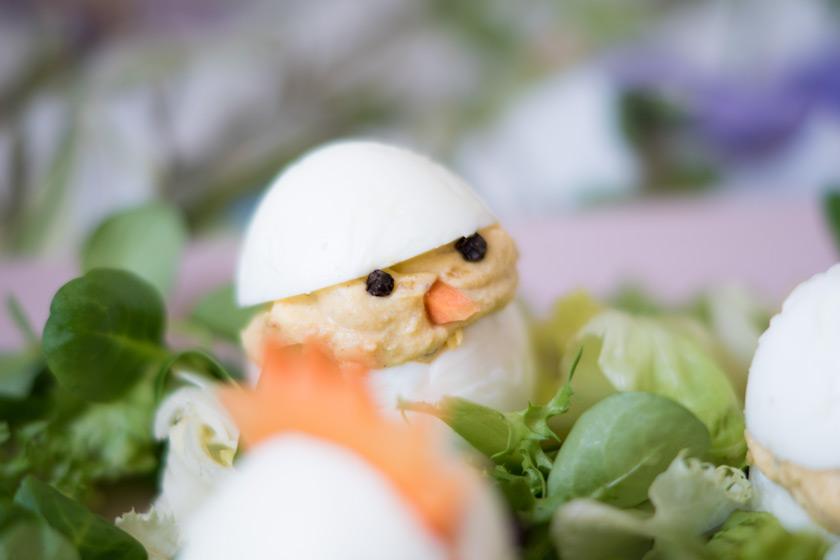 Essbare Osterdeko: gefüllte Eier 3
