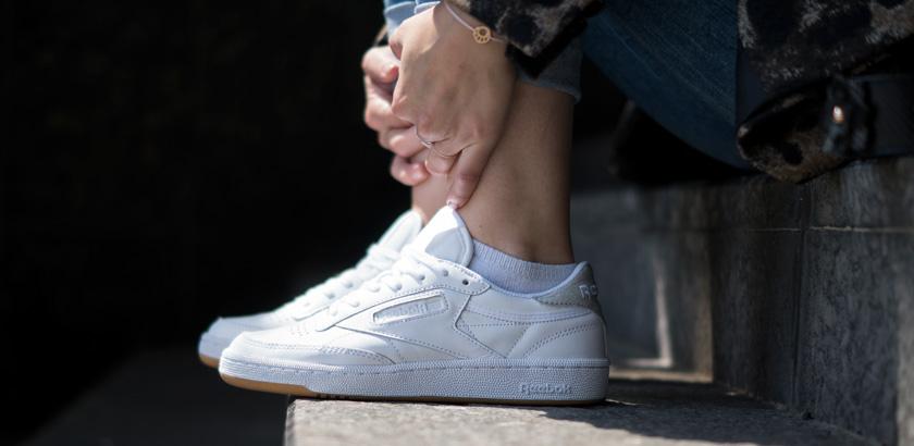 #ootw: Leo-Mantel und weiße Sneaker 11