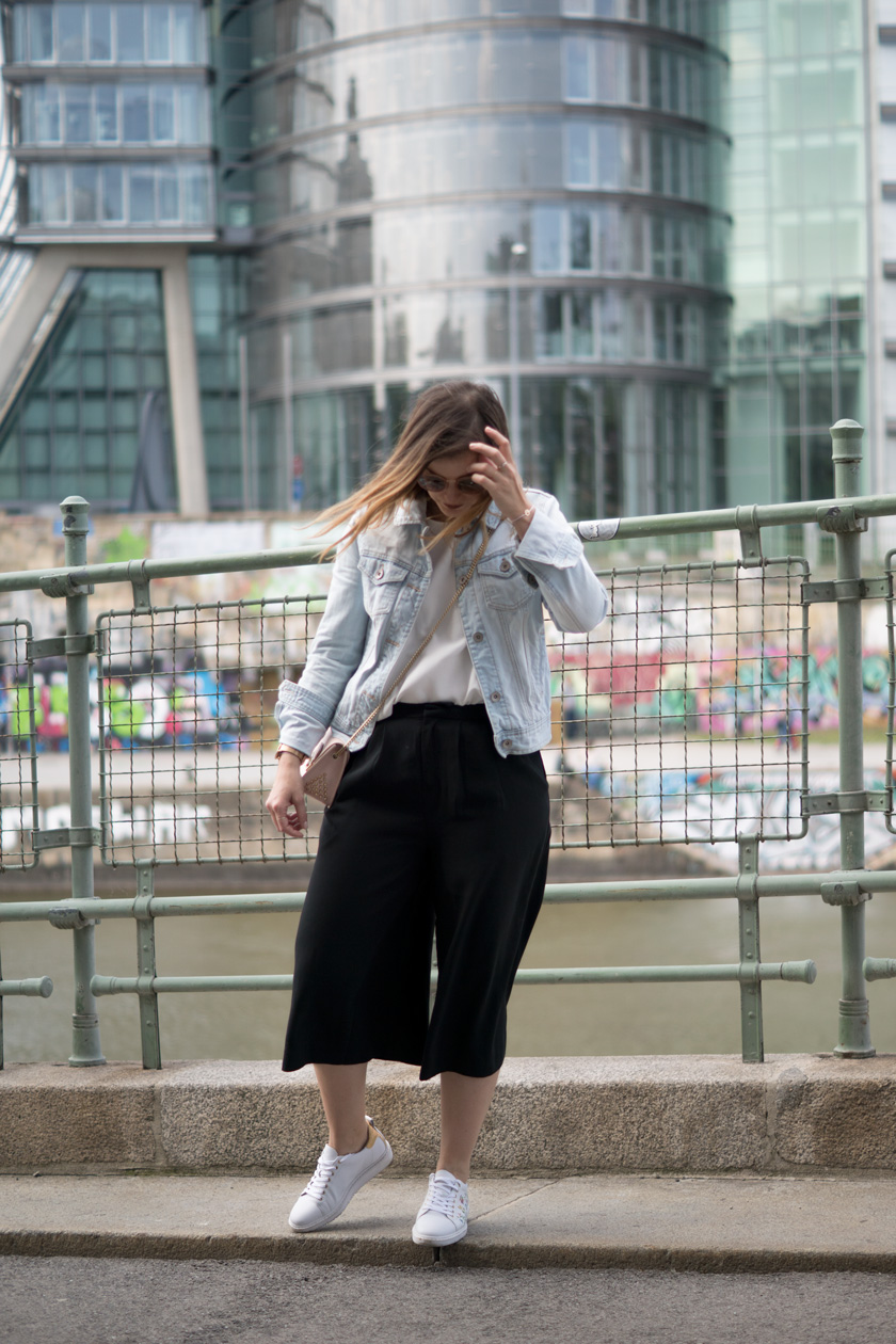 One Trend - Different Styles: Wide Leg Pants 9