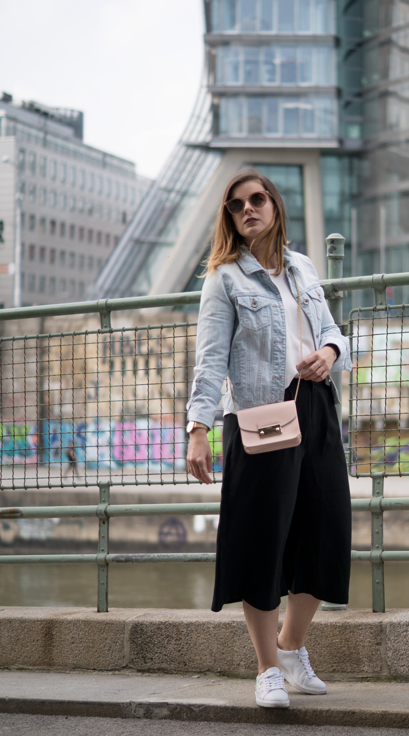 One Trend - Different Styles: Wide Leg Pants 5