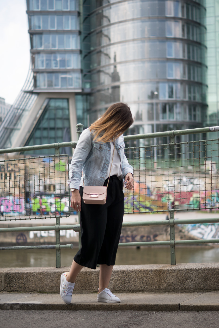 One Trend - Different Styles: Wide Leg Pants 2