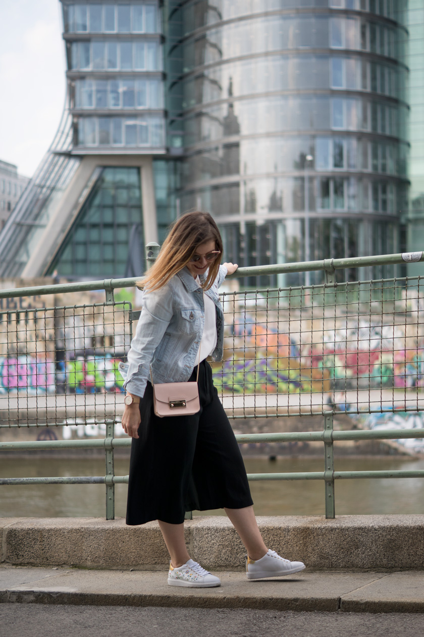 One Trend - Different Styles: Wide Leg Pants 6