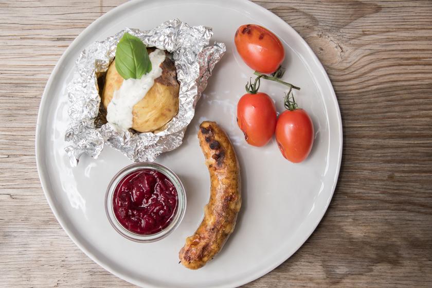 Vegetarische Käsebratwurst* mit Zwetschken Chutney 4