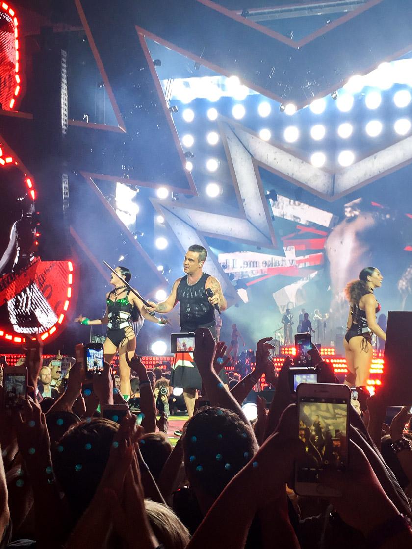 Robbie Williams - Heavy Entertainment Tour 2017 3