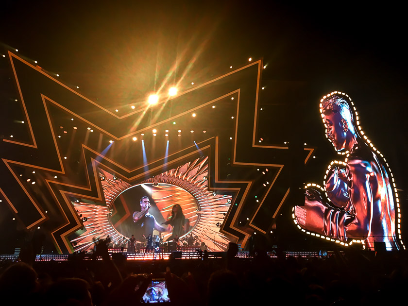 Robbie Williams - Heavy Entertainment Tour 2017 4