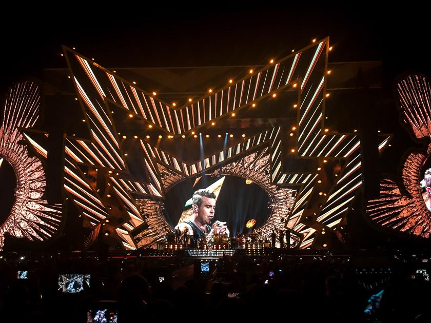 Robbie Williams - Heavy Entertainment Tour 2017 2