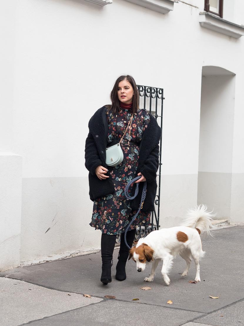 Midikleid im Herbst tragen - Styling-Tipps und Outfit-Inspo 🍂 7