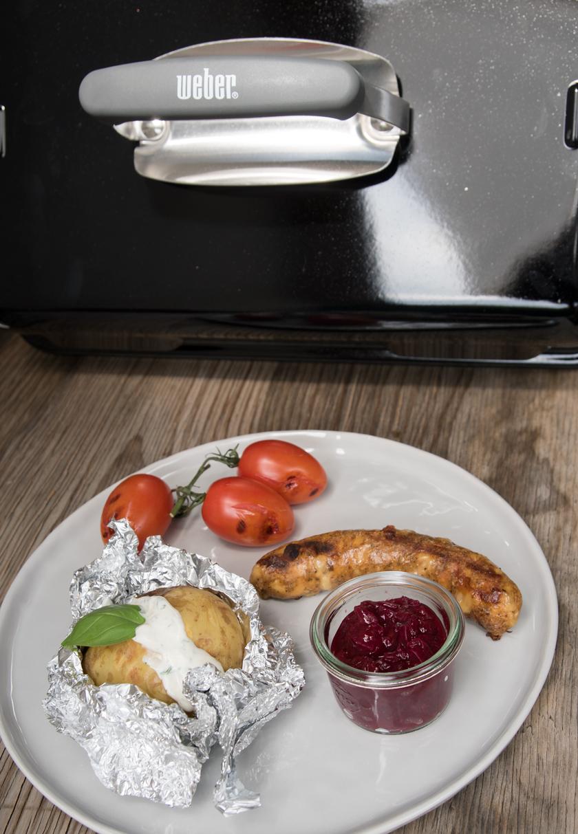 Vegetarische Käsebratwurst mit Zwetschken Chutney, Hermann Fleischlos, Rezept, recipe, veggie, bbq, Grillen, Grill was draus, Rispemtomaten, challenge, Folienkartoffel, Chutney