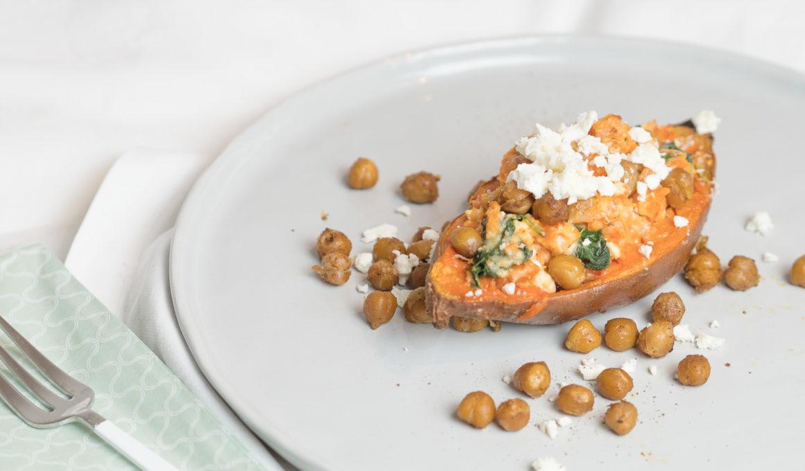 Rezept für gefüllte Süßkartoffel mit Spinat, Feta und Kichererbsen, würzige Kichererbsen, einfach, schnell, sweetpotatoe, veggie, vegetarische Hauptspeise, Foodblog, Food Photography, recipe, www.amigaprincess.com
