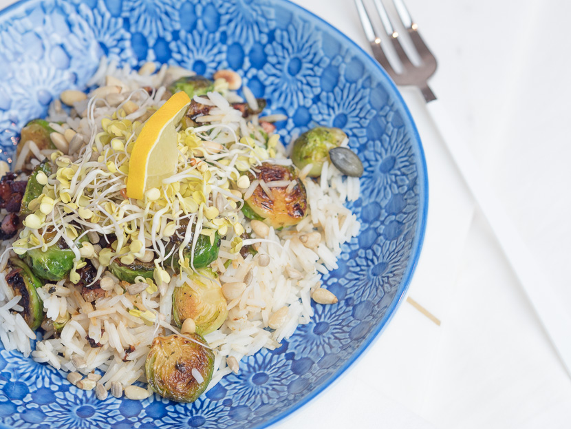 Reis Bowl mit gebratenen Kohlsprossen 5