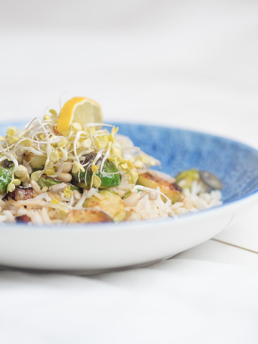 Reis Bowl mit gebratenen Kohlsprossen 4
