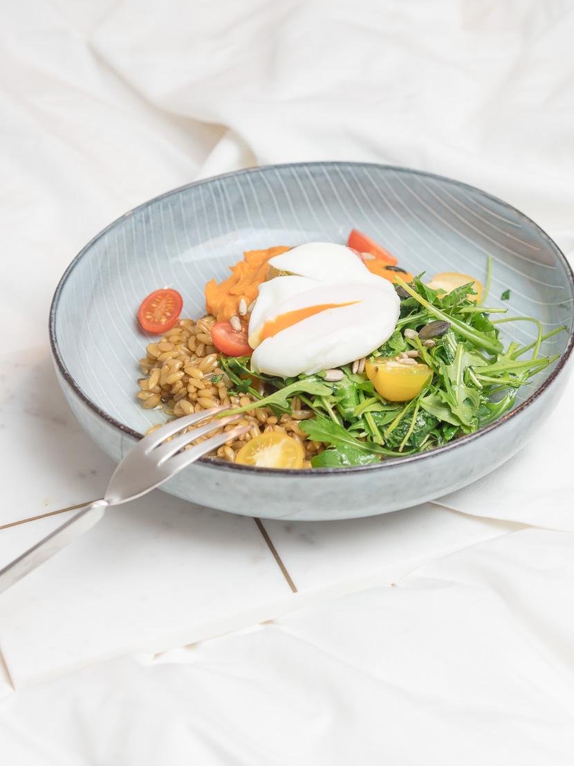 Lunchbowl mit Süßkartoffelpüree und Lemon-Dressing 5