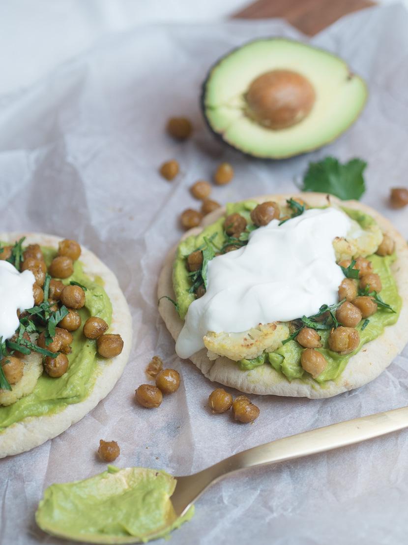 Pita mit Avocado und gerösteten Kichererbsen 5