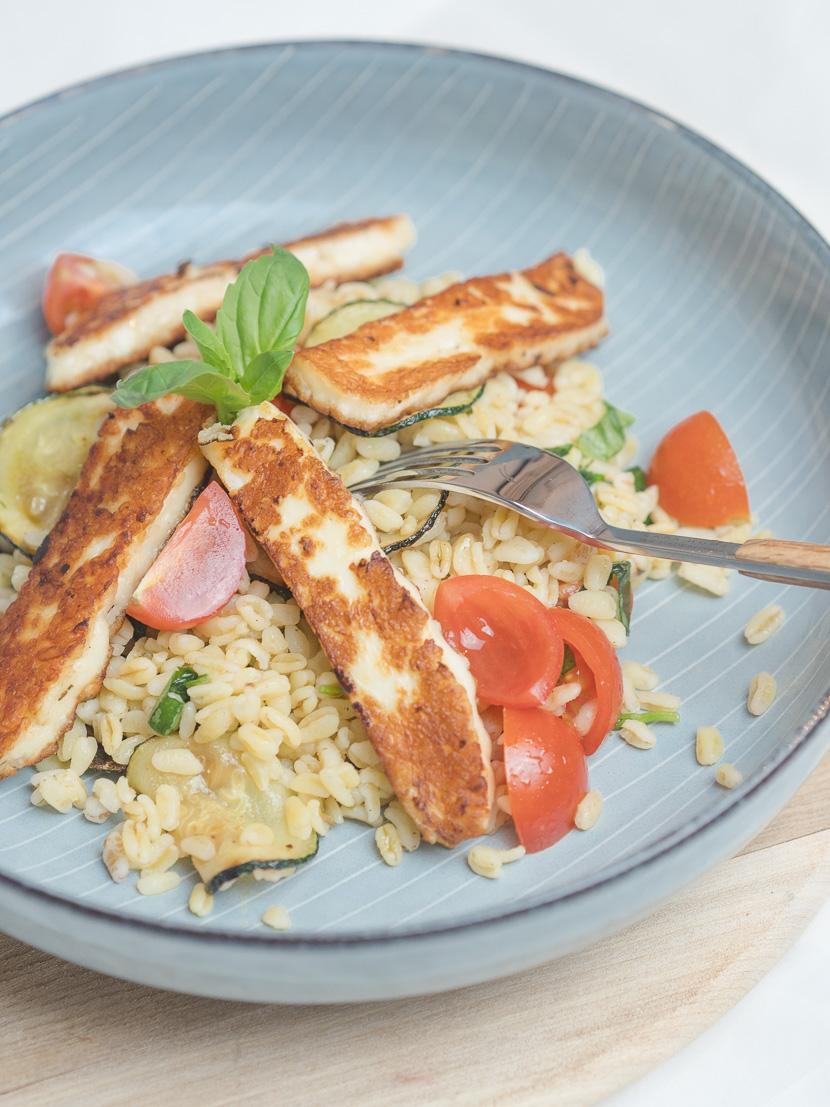 Zartweizen Bowl mit Halloumi und Zucchini 5
