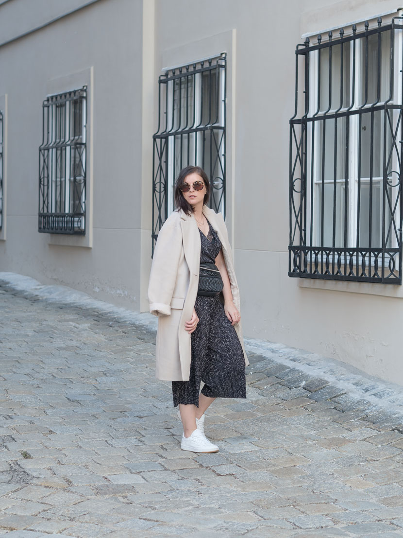 Outfit: der perfekte beige Mantel via Zalando Lounge* 1