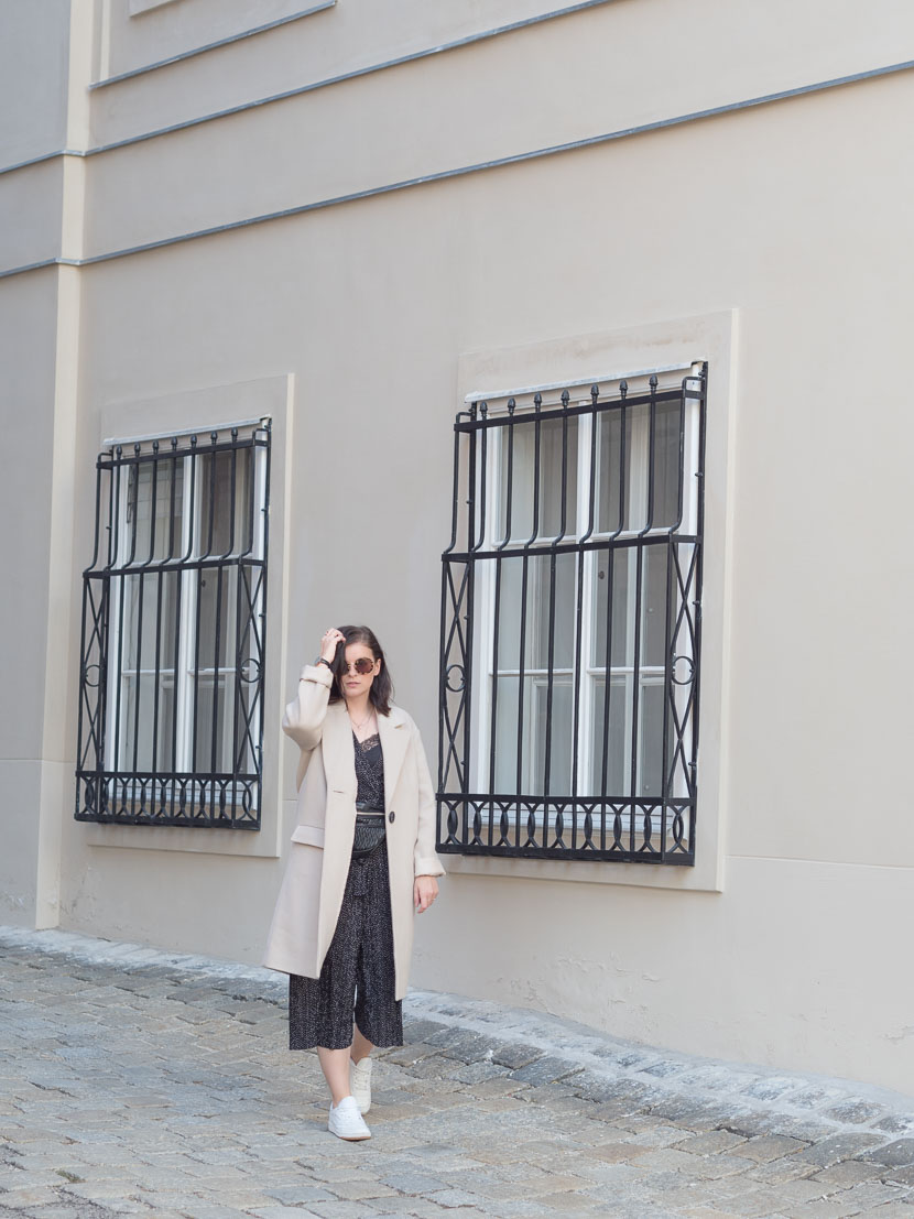 Outfit: der perfekte beige Mantel via Zalando Lounge* 4