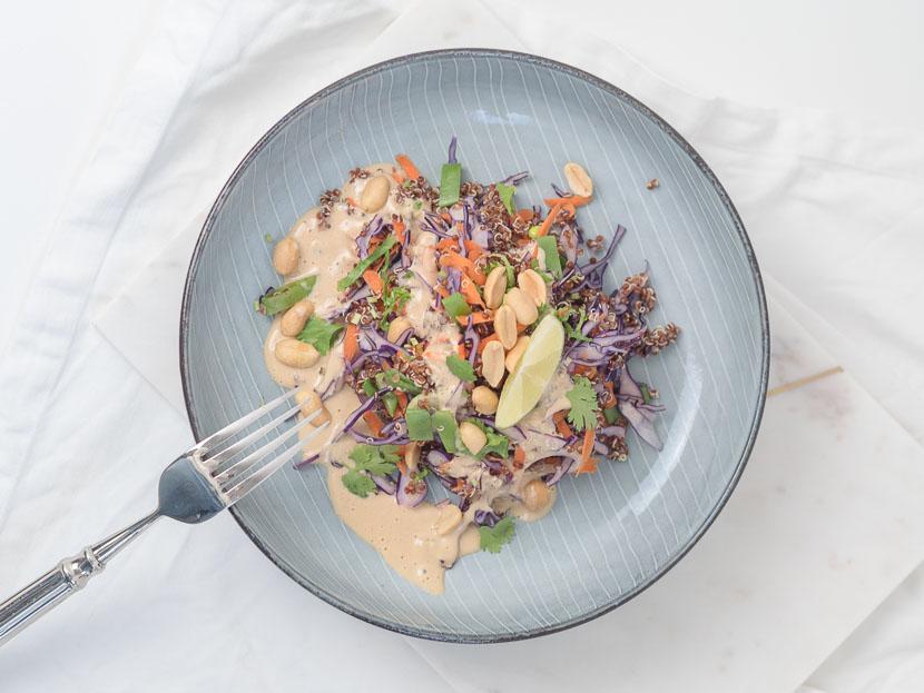 Quinoa Salat Thai Style mit Erdnuss-Dressing 4