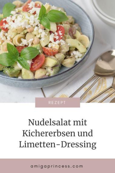 Nudelsalat mit Kichererbsen und Limetten-Dressing, Picknick Rezept, proteinreicher Salat, meal prep, office lunch, Pastasalat, Salat mit Orchiette, Zwiebel, Avocado, Gurke, der perfekte Sommersalat, Sommer Rezept, einfache und schnelle Küche, Rezept, Foodblog, www.amigaprincess.com #picknick #nudelsalat #pastasalat #sommerrezept