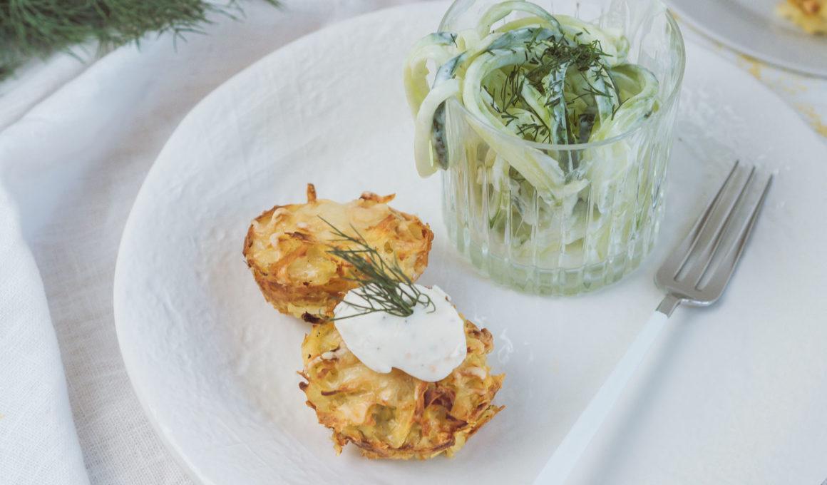 Kartoffelrösti Muffins mit Philadelphia Lachs & Dill* | Werbung, Kartoffelpuffer kreativ zubereiten, Rösti in Muffinform - einfach und schnell mit nur 5 Zutaten, Kartoffelpuffer zubereiten, Kartoffelrösti mit Frischkäse und Gurkensalat, Gurken Spaghetti mit Jogurt-Dressing, schnelle Küche, Rezept, Foodblog, www.amigaprincess.com #kartoffelpuffer #kreativerezepte #veggie