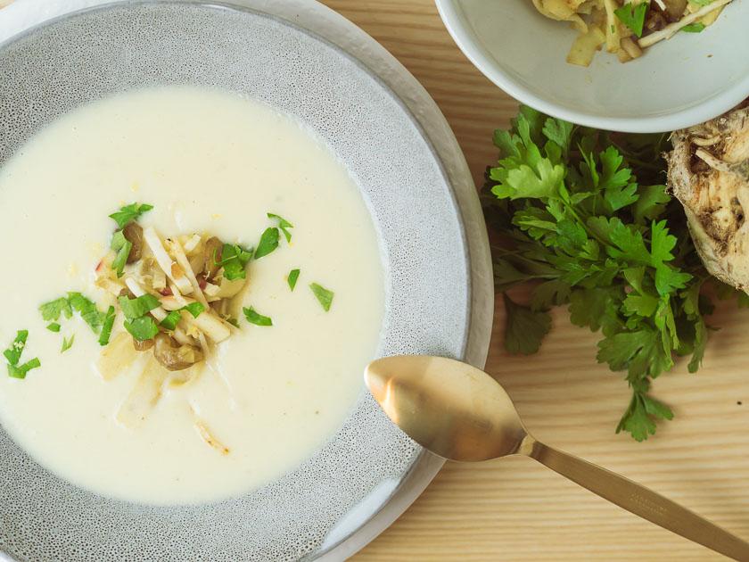 Cremige Selleriesuppe mit Maroni und Zitrone 5
