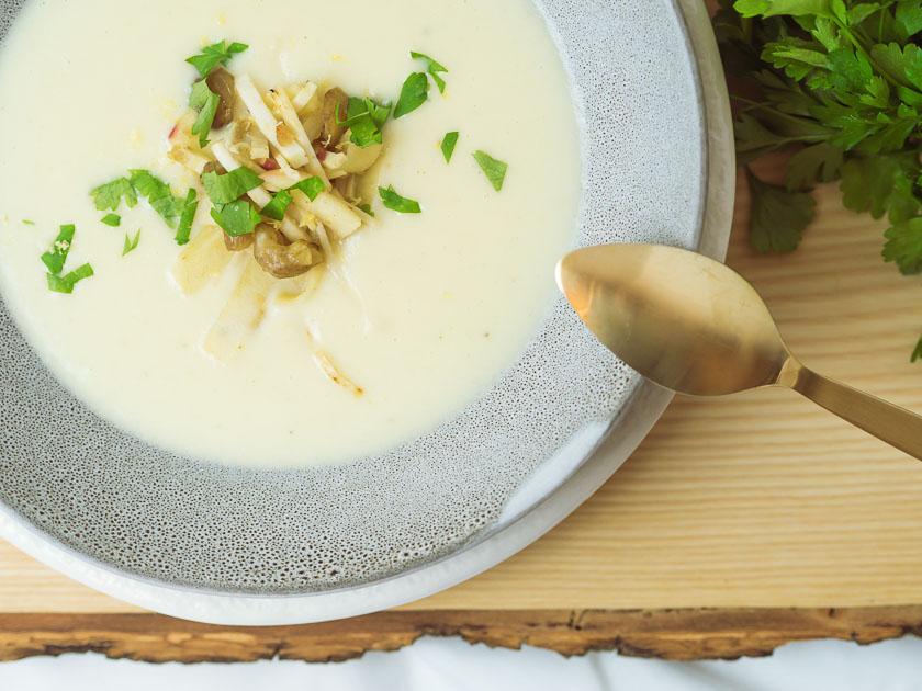 Cremige Selleriesuppe mit Maroni und Zitrone 3