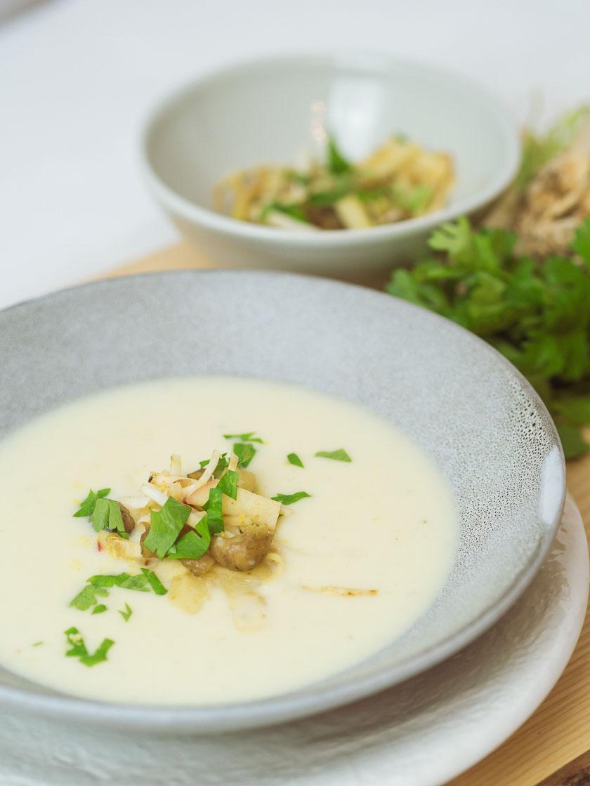 Cremige Selleriesuppe mit Maroni und Zitrone 8