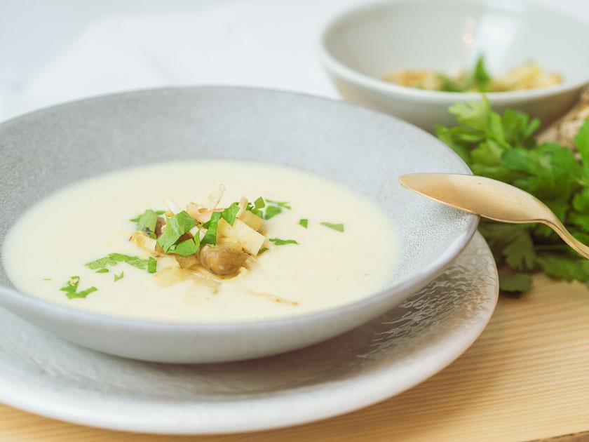 Cremige Selleriesuppe mit Maroni und Zitrone 6