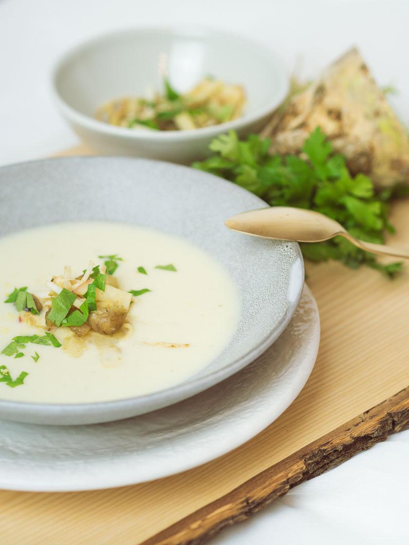 Cremige Selleriesuppe mit Maroni und Zitrone 4