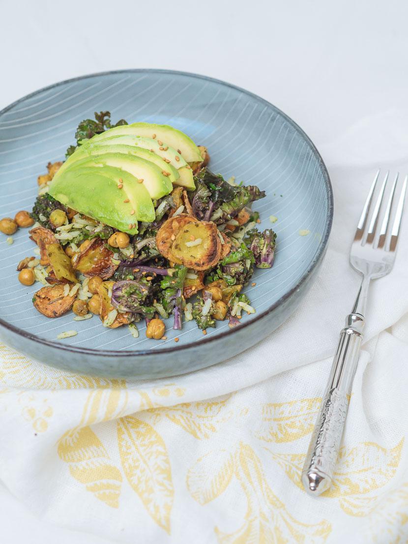 Bowl of Happiness - Kale Salat mit Pesto und geröstetem Gemüse 2