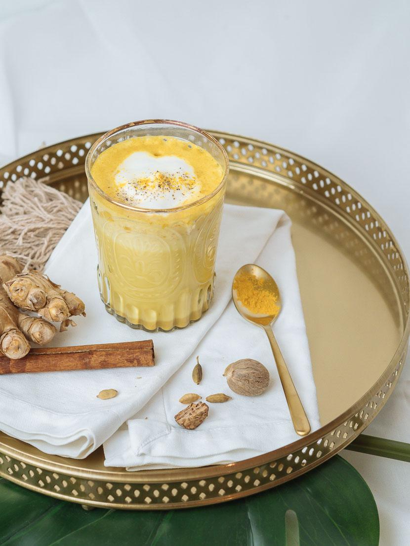Goldene Milch: DIY Sirup für den perfekten Kurkuma Latte 8