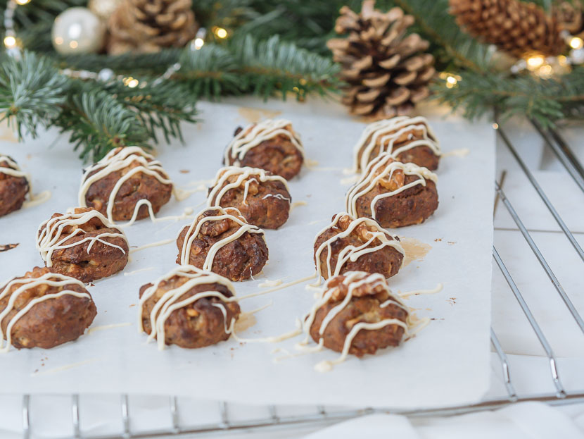 Glutenfreie Banana Bread Cookies mit weißer Schokolade 8