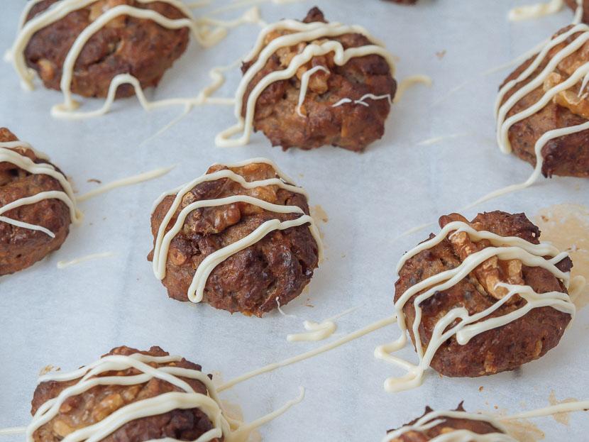 Glutenfreie Banana Bread Cookies mit weißer Schokolade 4