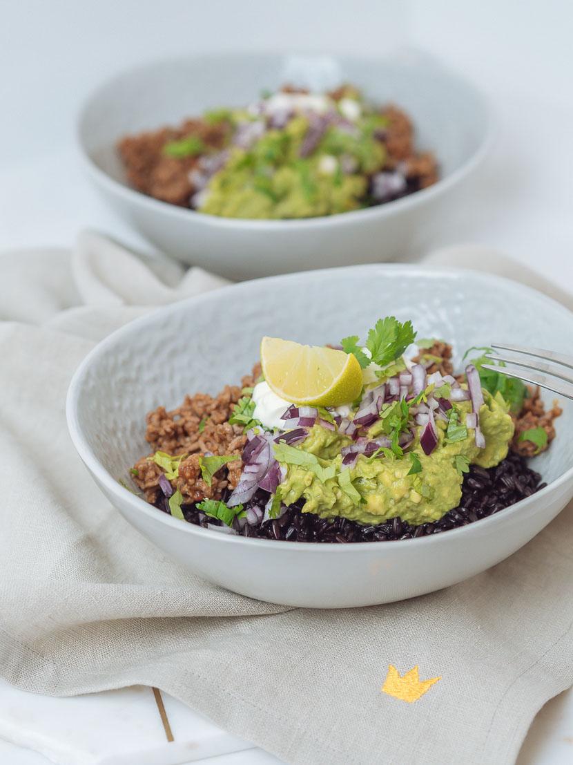 Chipotle Beef Bowl mit schwarzem Reis 8