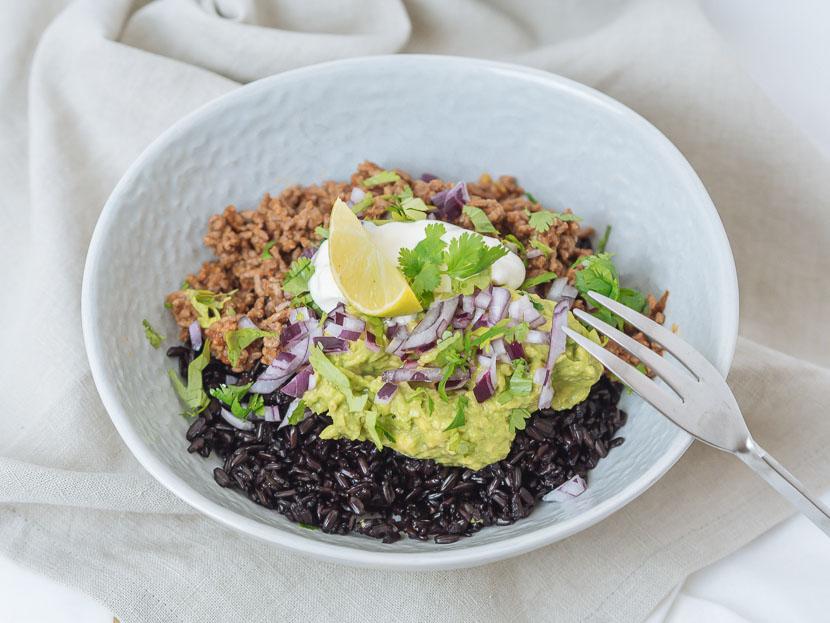 Chipotle Beef Bowl mit schwarzem Reis 3