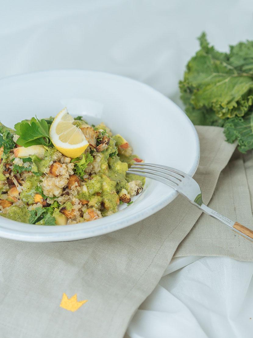 Wintersalat mit Quinoa, Kürbis und Apfel 3