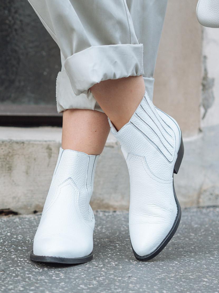 Trendreport: Weiße Boots kombinieren inkl. Outfit Inspiration* 1