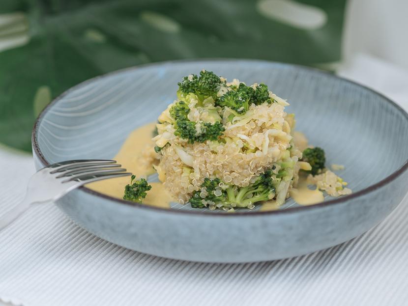 Brokkoli-Quinoa Salat mit Honig-Senf Dressing 6