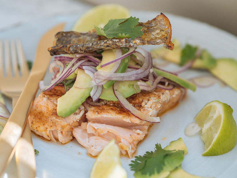 Lachs vom Grill mit Avocado Salsa feat. Weber Pulse 2000* 7