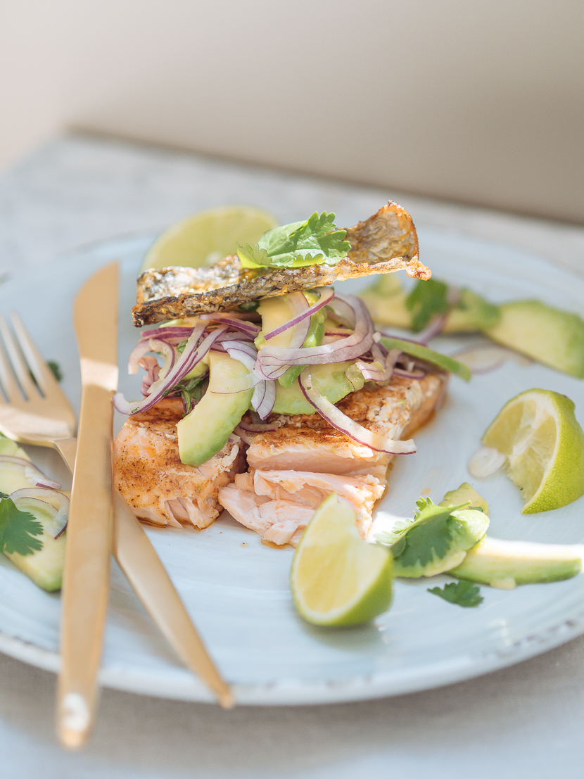 Lachs vom Grill mit Avocado Salsa feat. Weber Pulse 2000* 1