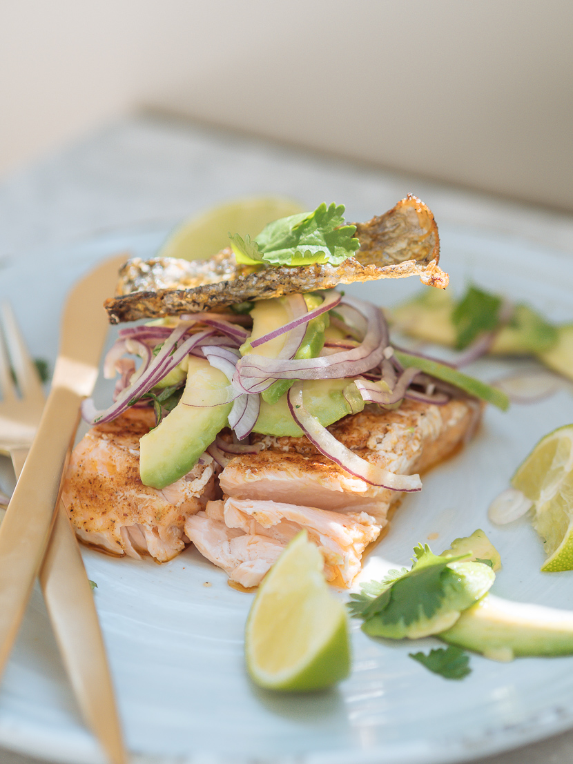 Lachs vom Grill mit Avocado Salsa feat. Weber Pulse 2000* 12
