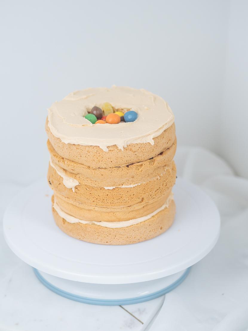 Pinata Cake - DIY Geburtstagstorte mit Süßigkeiten-Füllung* 8